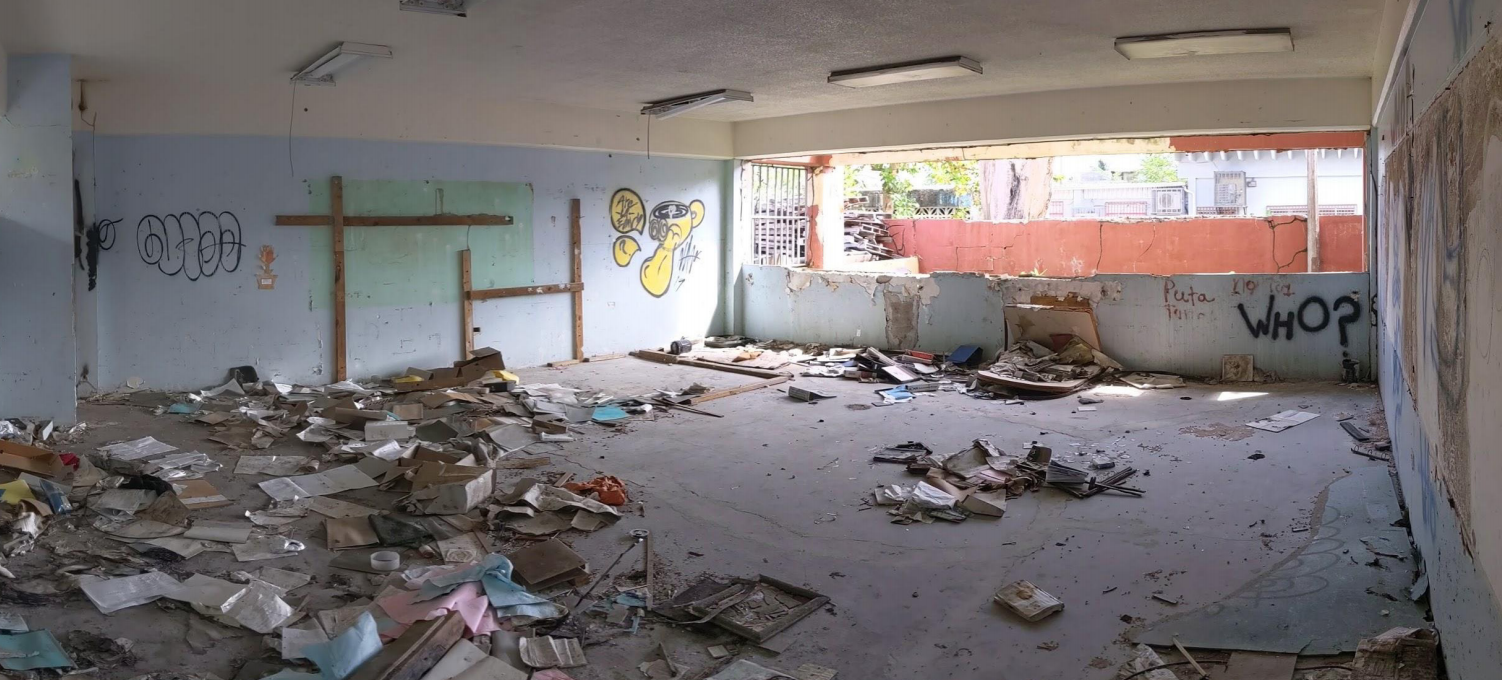 The María Libertad Gómez school in Toa Baja was closed in 2016. Per the scale created for the purpose of this study, buildings with signs of vandalwism and missing windows would be considered in good shape if there exists no evidence of chipping walls, ro